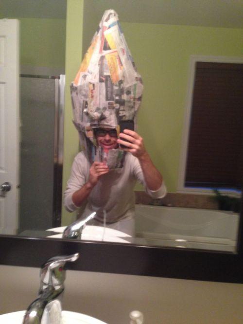 Costume de lemongrab : le papier-maché
