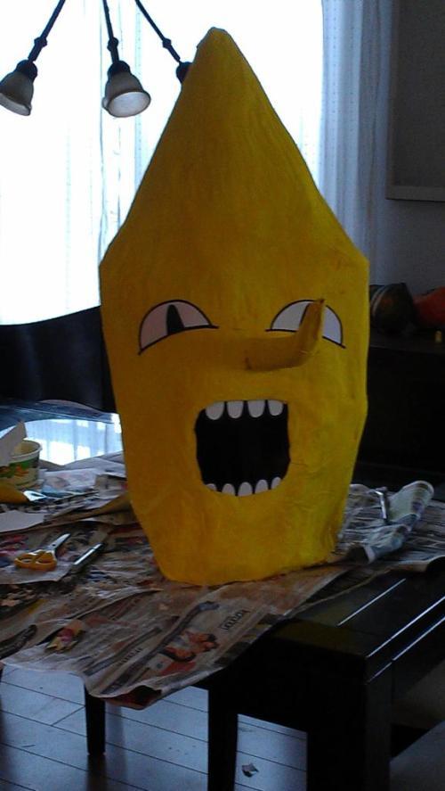 tête costume de lemongrab